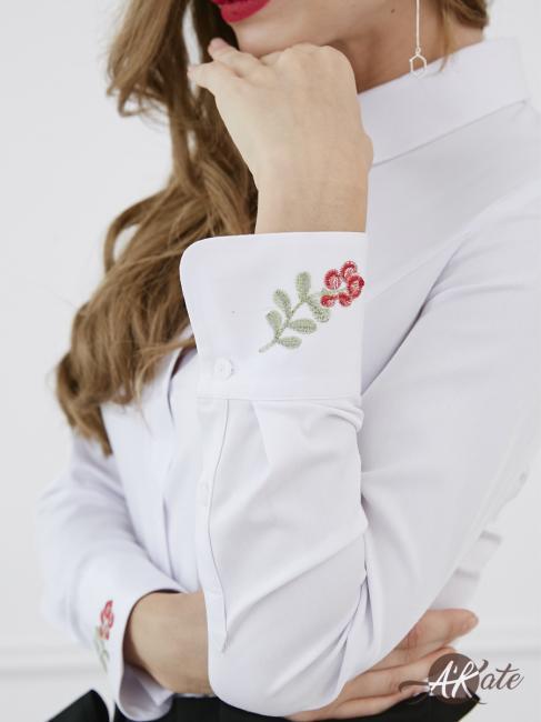 Блузка с рельефами