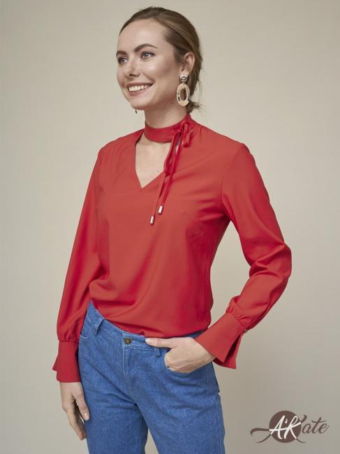Блузка с завязками красная