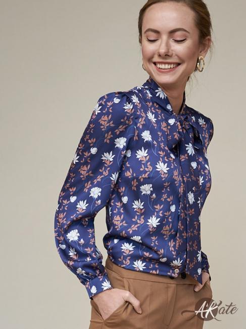 Блузка с бантом синяя