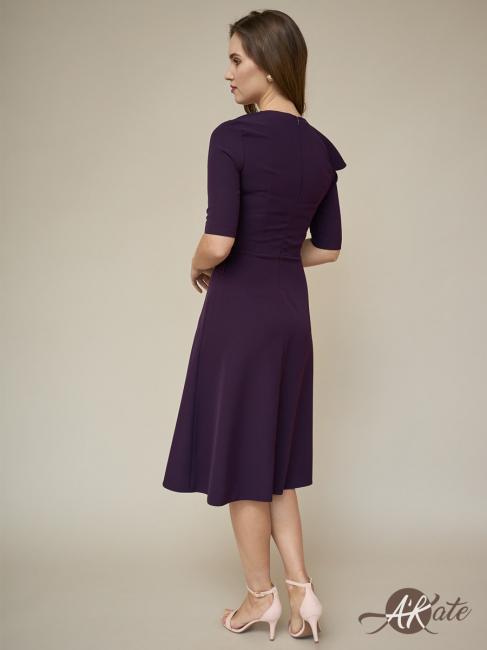 Платье с воланом баклажановое