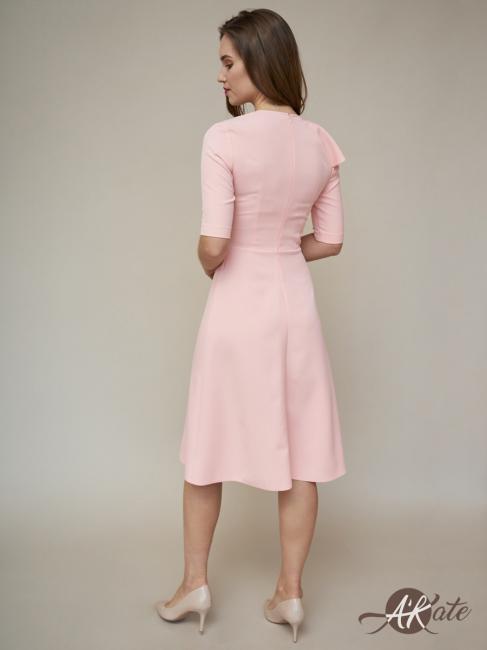 Платье с воланом розовое