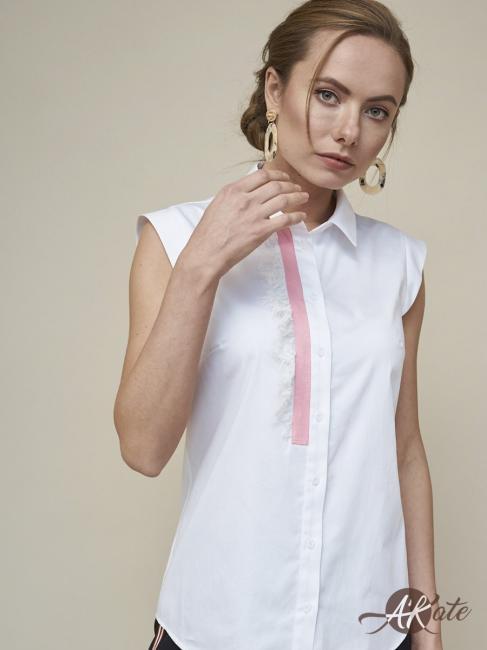 Блузка без рукавов белая с кружевом