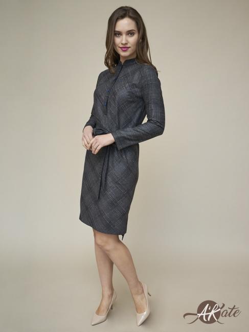 Платье прямое с рукавом