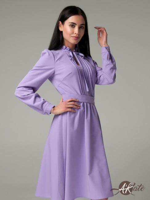 Платье со стойкой